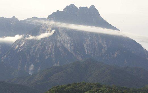 Pengamal media berpeluang rasai Normal Baharu pendakian Gunung Kinabalu