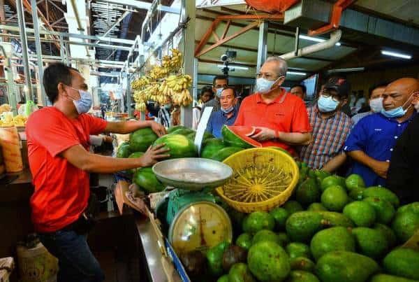 Pertimbang permohonan lanjut operasi Pasar Raja Bot – Annuar Musa