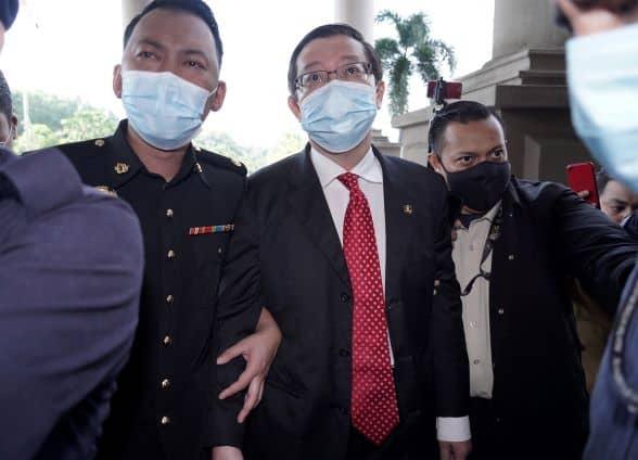 Guan Eng tiba di Kompleks Mahkamah Kuala Lumpur