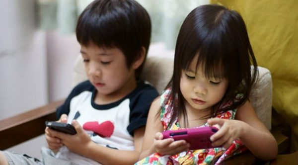 Parents should create safe online environment for children