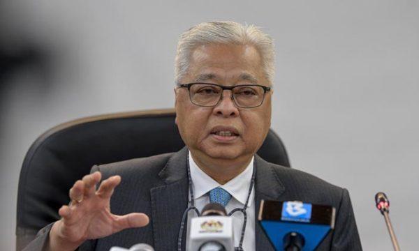 COVID: 888,000 pekerja asing berisiko tinggi perlu disaring – Ismail Sabri
