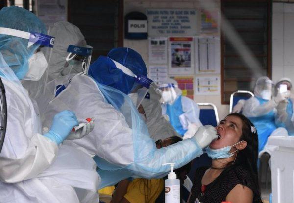 COVID-19: Tempat kerja 'lubuk' penularan koronavirus maut di Malaysia