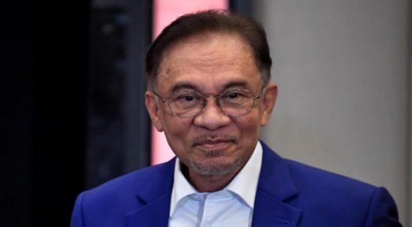 Hati ini sekarang tersangkut di Port Dickson, kata Anwar Ibrahim