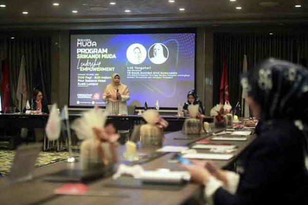 Zuraida alu-alukan jika Dr Mahathir bekerjasama dengan PN